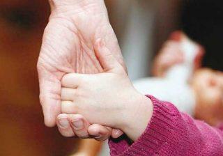 سیستمهای پرورشگاهی و فرزندخواندگی چه تأثیراتی بر کودکان دارد.